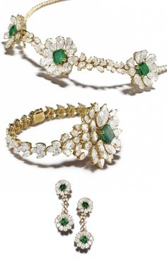 """AN EXCEPTIONAL GOLD, EMERALD AND DIAMOND """"TREMBLEUR"""" SUITE, ALEXANDRE REZA The exceptional and expertly executed """"trembleur"""" emerald suite, the necklace features 3 emerald-cut emeralds of 8.24 carats, 30 D color, Internally Flawless pear-shaped diamonds of 36.25 carats,"""
