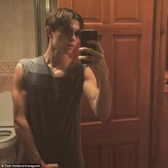 The 19-year-old actor uploaded a photo which features himself with his new hairstyle which resembles Peter Parker's hair in ' Ultimate Spider-Man' comic books. Description from aceshowbiz.com. I searched for this on bing.com/images