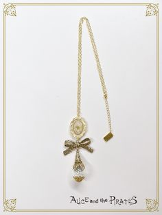 夢見る蝶々のガラスドームネックレス/A Dreaming Butterfly's Glass Dome Necklace  |  BABY,THE STARS SHINE BRIGHT