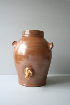 A vinegar pot--ready to make your own cider or wine vinegar!  Every French home has one!