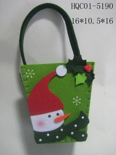 great idea for a gift card. Christmas Treat Bags, Felt Christmas Decorations, Christmas Gift Bags, Felt Christmas Ornaments, Christmas Sewing, Christmas Fun, Christmas Stockings, Christmas Projects, Felt Crafts