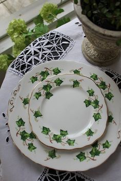 love these ivy dishes!