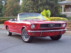 Ford Mustang 1965 cabriolet rood