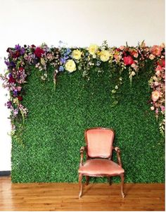 Flower DIY Photography Backdrop by DesignLoveFest via iHeartFaces.com