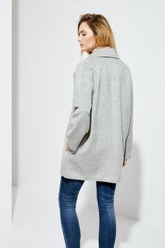 48fcb3abb16 Moodo Kabát dámský se zapínáním na jeden knoflík Dámský kabát je vyroben z  příjemného a hřejivého materiálu. Kabát má jednoduchý střih se zapínáním na  jeden ...