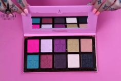 10 Vibrant Shades in Jeffree Star's Eyeshadow Palette, Beauty Killer | See Swatches of Jeffree Star's First Eyeshadow Palette, check it out at http://makeuptutorials.com/jeffree-star-eyeshadow-palette/