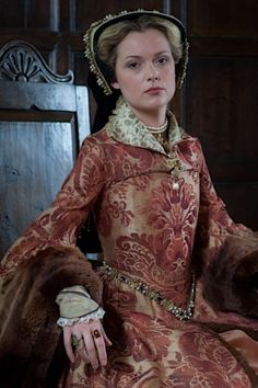 Renaissance Clothing, Renaissance Fashion, Mary I, Queen Mary, Queen Elizabeth, 18th Century Fashion, 16th Century, Historical Costume, Historical Dress