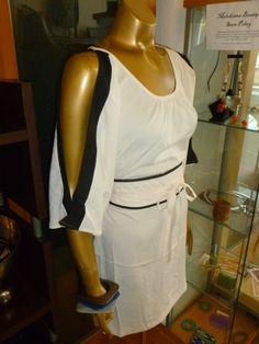 Kimono dress with split sleeves in ivory!