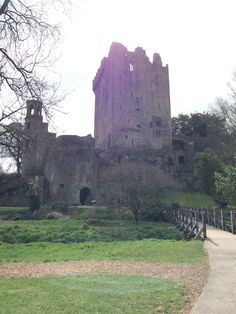 This past weekend was spent traveling around Ireland. Our first stop was the famous Blarney Castle. The grounds were beautiful and the castle was really cool. And duhh you can't go to the castle without lying on your back and kissing the Blarney Stone!!