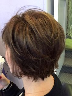 At present, the short layered hairstyle is completely in the lead. In the upcoming summer season, you might consider a simpler style to survive in the hot summer months. Bobs For Thin Hair, Short Hair With Layers, Short Hair Cuts For Women, Thick Hair, Short Layered Haircuts, Short Bob Hairstyles, Cool Hairstyles, Layered Short Hair, Layered Bobs