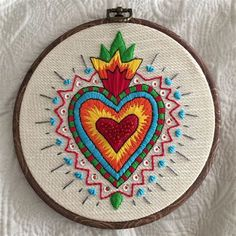 Embroidery Hearts, Cross Stitch Embroidery, Hand Embroidery Projects, Embroidery Patterns, Mexican Folk Art, Diy Arts And Crafts, Sacred Heart, Cross Stitching, Kitsch