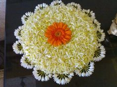 Big list Flower Rangoli Designs ideas and pictures for this ganesh chaturthi or any other Indian festivals. Learn flower rangoli designs for competition with flowers. Rangoli Designs Flower, Colorful Rangoli Designs, Rangoli Ideas, Rangoli Designs Diwali, Rangoli Designs Images, Diwali Rangoli, Flower Rangoli, Beautiful Rangoli Designs, Flower Garlands