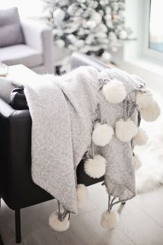 Pom Pom blanket - Home Page My New Room, My Room, Hygge, Cozy House, Decoration, Home And Living, Home Accessories, Sweet Home, Bedroom Decor