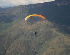 Looking for a holiday or travel destination where you can take part in extreme sports? Perhaps Colombia is that destination. Colombia South America, Travel Bugs, Extreme Sports, Travel Destinations, Tours, Vacation, Explore, Adventure, Mountains