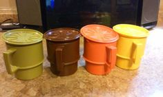 8Pc-Vtg-TUPPERWARE-Harvest-MUG-Coffee-Cup-Set-4-Lid-Coaster-Stacking