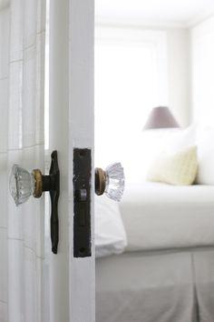 .vintage glass door knobs.