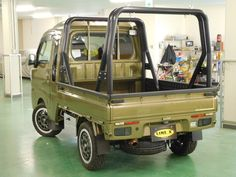 軽トラのフルカスタム!ハイゼットジャンボのLINE-X全塗装(オールペイント)日本初公開です!アゲトラなどにも良く似合う、とっても格好良いカスタム塗装!! Small Trucks, Mini Trucks, Mitsubishi Minicab, Suzuki Carry, Daihatsu, Custom Cars, Cars And Motorcycles, Offroad, Metal Working