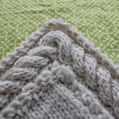 Continuous Cable Border Pattern di RachaelRabbit su Etsy