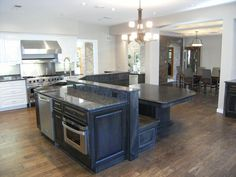 island with banquette | Island with banquette seating | Kitchen remodeling ideas