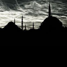 İstanbul City by Murat Ekmen on 500px. #blackandwhite #siyahbeyaz #istanbul #turkey #türkiye #architecture #mimari #mosque #cami #city #silhouette #siluet #clouds #bulutlar #sky #gök #cityscape #landscape #manzara #şehirmanzarası #sunrise #gündoğumu #sunset #günbatımı #dawn #şafak #augsburg #munich #münchen #stuttgart