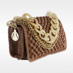marronechiaro2 Free Crochet Bag, Crochet Pouch, Diy Crochet, Crochet Handbags, Crochet Purses, Handmade Handbags, Handmade Bags, Macrame Bag, Tapestry Crochet
