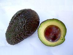 Cómo cuidar un árbol de aguacate Hass | eHow en Español