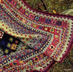 Transcendent Crochet a Solid Granny Square Ideas. Inconceivable Crochet a Solid Granny Square Ideas. Beau Crochet, Crochet Home, Knit Or Crochet, Crochet Crafts, Crochet Projects, Modern Crochet, Single Crochet, Crochet Baby, Crochet Afghans
