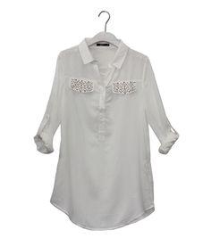 Angesagte weiße Bluse, nur für 14,99€! @ www.mycolloseum.com