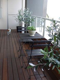 TÄRNÖ chair stained black../  バルコニー快適化の続きの画像 | Comfortable LIFE with dog