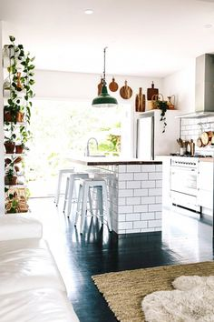 Inspiring Indoor/Outdoor Kitchens | Apartment Therapy