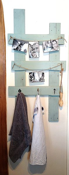 Pallet board for multiple uses. Board made from used pallets which can be used to hand tea towels, photos, recipes, notes etc. Whatever you like!