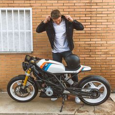 Bike Bmw, Cafe Bike, Bmw Cafe Racer, Custom Bmw, Custom Bikes, K100 Bmw, Brat Cafe, Cafe Racing, Motocross Bikes