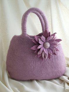 Borsa lilla con fiore