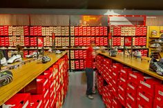 Puma store by Nathan Lee Colkitt Architects Ontario 09