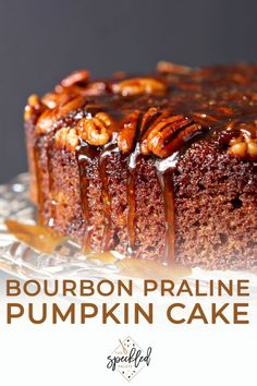 Combine two favorite fall flavors to make the ULTIMATE autumnal dessert: Praline Pumpkin Upside Down Cake! Drizzled with bourbon caramel sauce for the finishing touch, this cake is decadent perfection! Homemade Desserts, Best Dessert Recipes, Homemade Cakes, Holiday Recipes, Pumpkin Upside Down Cake, Bourbon Cake, Pumpkin Dessert, Fall Desserts, Frosting Recipes