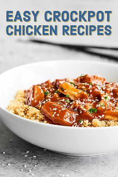 This Slow Cooker Honey Sriracha Chicken is quick to put together, healthy, easy, and is the perfect combo of sweet and spicy thanks to honey… Easy Crockpot Chicken, Slow Cooker Chicken, Healthy Chicken Recipes, Turkey Recipes, Healthy Meals, Chicken Treats, Paleo Meals, Dinner Healthy, Healthy Desserts