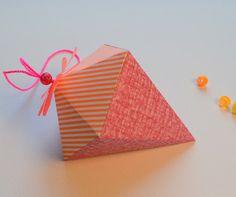 Pattern Like: Paper geometry DIY