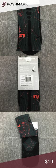Nike LeBron Elite Digital Ink 👇PLZ READ THE COMPLETE DESCRIPTION BEFORE COMMENTING & OFFERING! Thank u!👇 1 pair of socks(basketball, Crew socks) Size: L Shoes size: Men's 8-12 Retail price: $24 Color may be slightly different bcz of lighting 🍀Price is FIRM unless bundled!🍀 ❌Trades ❌Holds All sales r final Welcome product-related questions! Ur responsible for ur size. Nike Underwear & Socks Athletic Socks