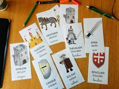 Pour travailler le Moyen Âge avec des élèves de maternelle ou cycle 2, voici un imagier autour de ce thème. Mots clés : flashcards, vocabulaire, imagier, affichage, chevalier, épée, bouclier, soldat, donjon, roi, reine, casque