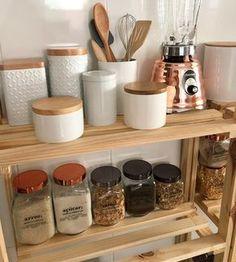 Ideas For Room Organization Diy Minimalist Home Decor Kitchen, Rustic Kitchen, Home Kitchens, Diy Home Decor, Kitchen Design, Kitchen Organisation, Diy Organization, Casa Cook, Organizer