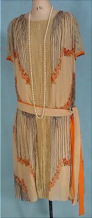 c. 1926 Deco Tea-colored and Orange Design Crepe Day Dress