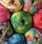 Great British Yarns (UK): www.greatbritishyarns.co.uk  (Delivery 4.30€) *Debbie Bliss, Fibre Harvest, Jamieson's, Jillybean, King Cole, Knit Picks, Rowan, indie hand dyed, alpaca sock