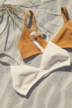 Shop Out From Under Morgan Seamless Triangle Bra at Urban Outfitters today. Diy Fashion, Ideias Fashion, Fashion Outfits, Womens Fashion, Fashion Trends, Sewing Clothes, Diy Clothes, Sewing Bras, Swimsuits
