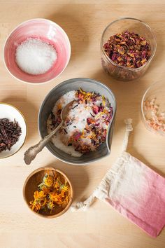 Learn how to make your own floral bath salts with Himalayan pink salt, epsom salts, and dried flowers like rose, hibiscus, and calendula for the ultimate in self-care. Package them in a DIY dip dye canvas pouch and they are a great gift for Valentine's Da