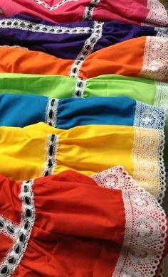 Ballet Folklorico Faldas Norte Mexican Costume, Mexican Outfit, Mexican Dresses, Folklorico Dresses, Ballet Folklorico, Mexican Heritage, Disney Inspired, Kids Fashion, Circle Skirts