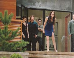 BD Part 2 - she looks mad did they jumble up the scenes and make it so that she attacks Jake right after she wakes up???
