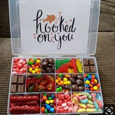 DIY Candy Gift Boxes for Birthdays - . - DIY candy gift boxes for birthdays – … Source by vi - Cute Birthday Gift, Best Birthday Gifts, Card Birthday, Happy Birthday Funny, Happy Birthday Greetings, Birthday Invitations, Birthday Parties, Birthday Quotes, Birthday Candy