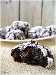 Simple Dinners: Flourless Dark Chocolate Cookies