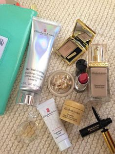Who does not like a gift with purchase? Especially if it is an Elizabeth Arden gift. Check out all the goodies I got. Beauty Review, African Beauty, New Pins, Nook, Lifestyle Blog, Goodies, Perfume Bottles, Community, Makeup