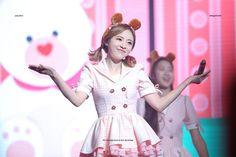 OH! MY GIRL First Girl, My Girl, Girl Group, Fairy Tales, Cinderella, Short Hair Styles, Disney Princess, Disney Characters, Plum